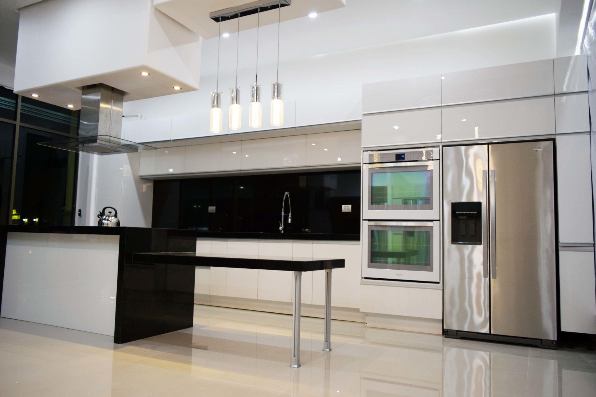 Keepler cocinas integrales y closets for Modelos de cocinas integrales catalogo