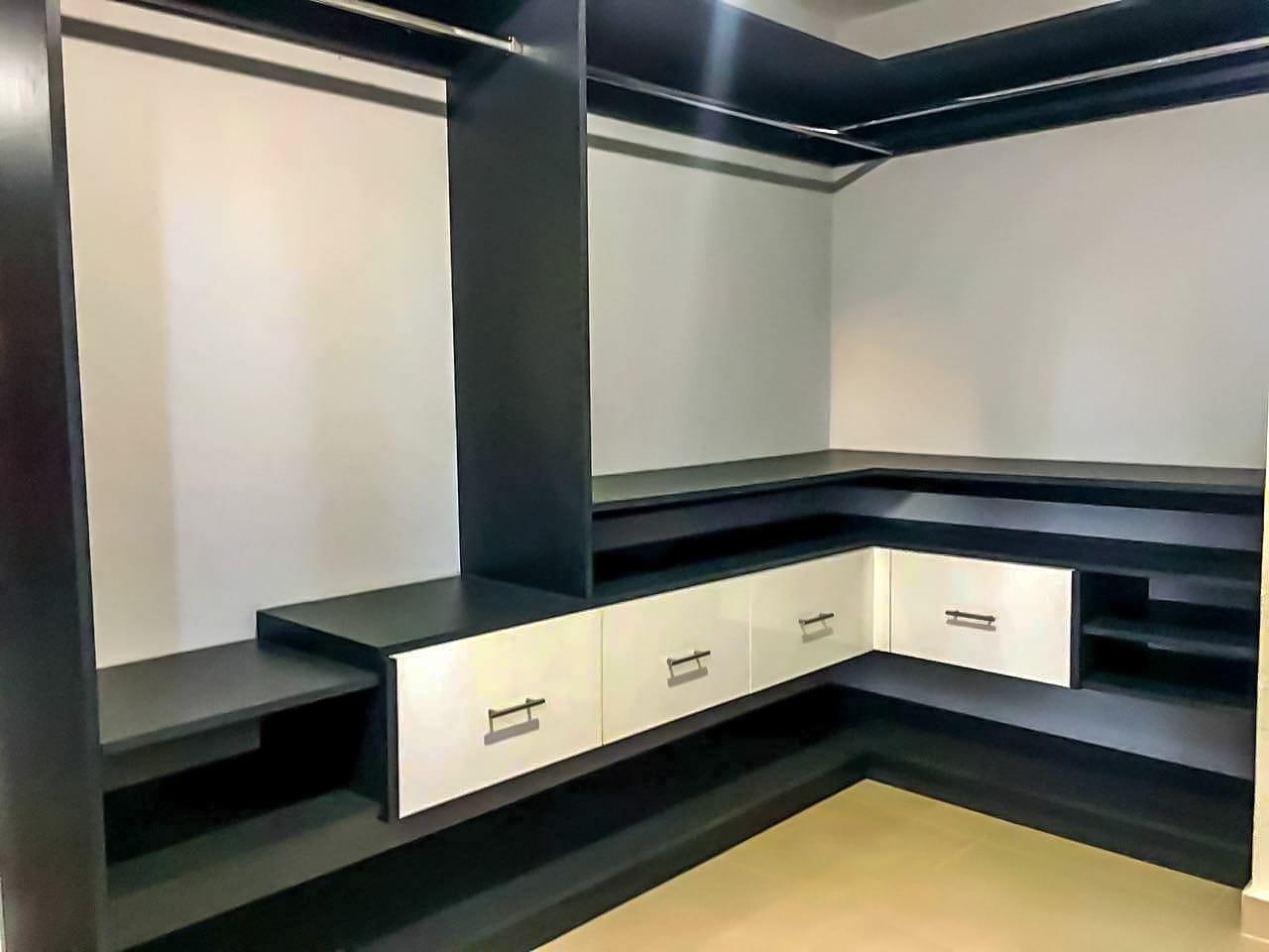 walk in closet moderno