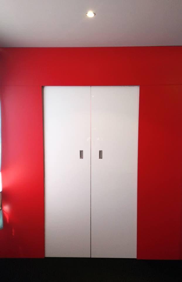 closet rojo
