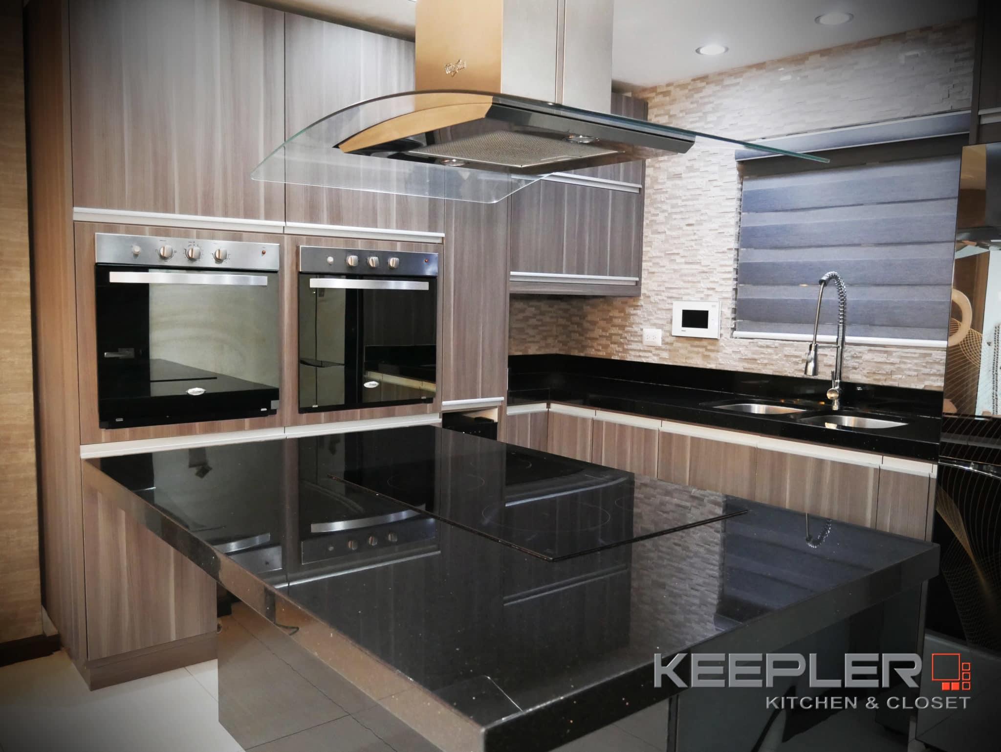 Portafolio keepler cocinas integrales y closets for Cocinas de concreto modernas